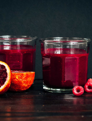 Root Chakra Smoothie | Well and Full | #plantbased #yoga #recipe