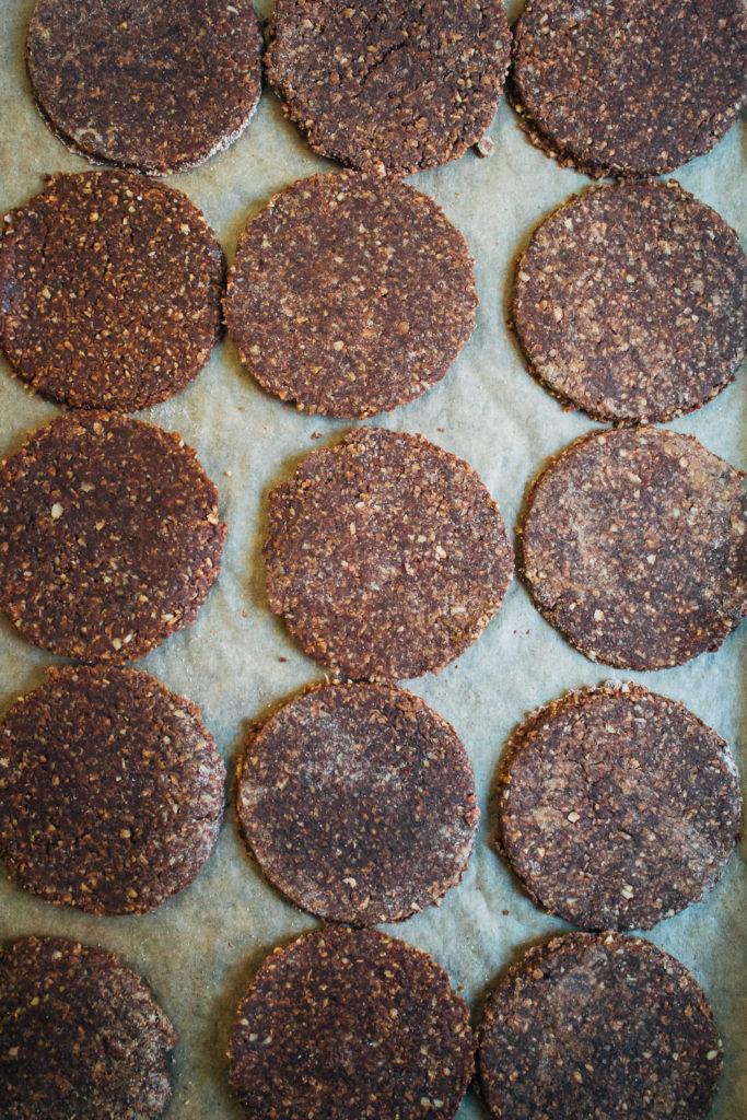 Raw Vegan Thin Mints   Well and Full   #raw #vegan #recipe