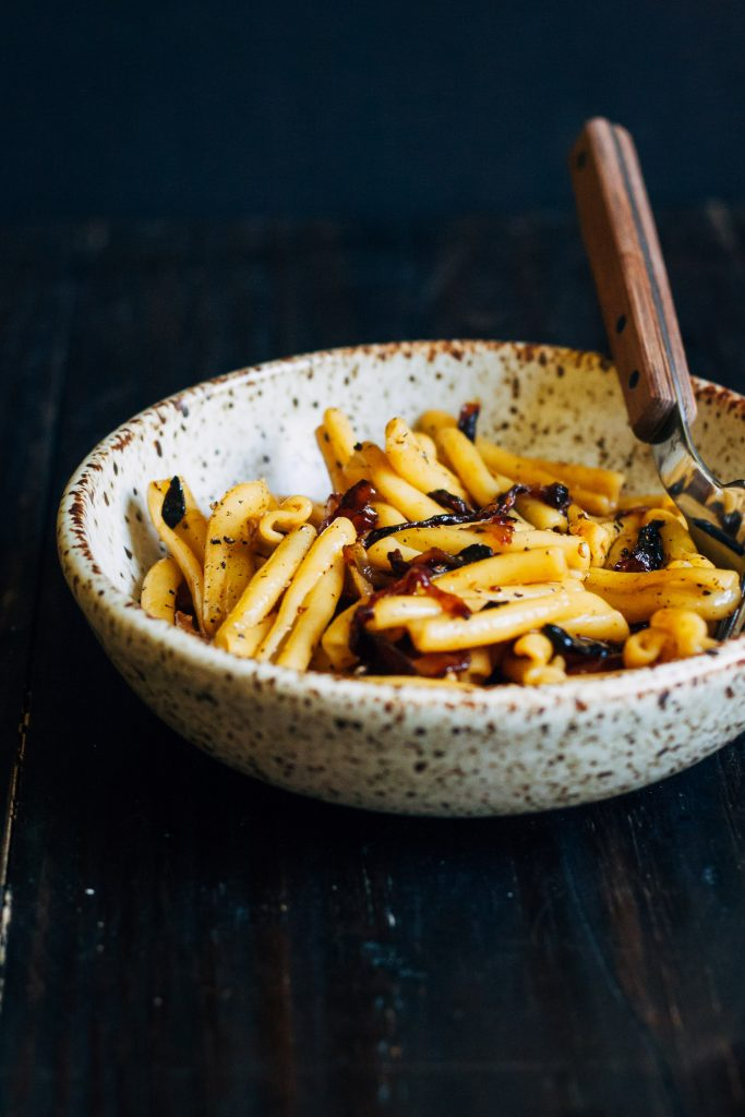 Caramelized Onion Pasta   Well and Full   #vegan #pasta #recipe