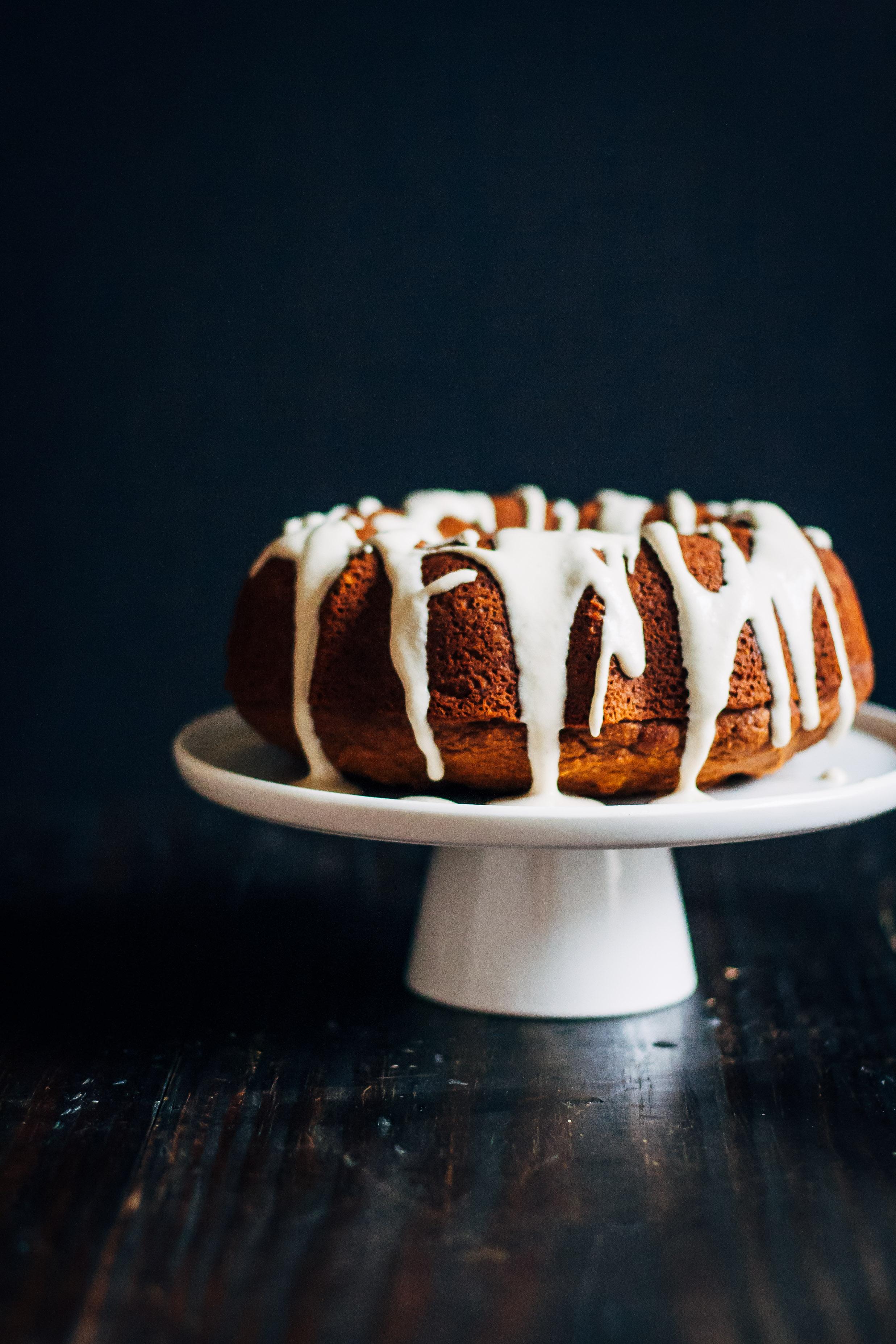 Vegan Apple Cake | Well and Full | #vegan #apple #cake