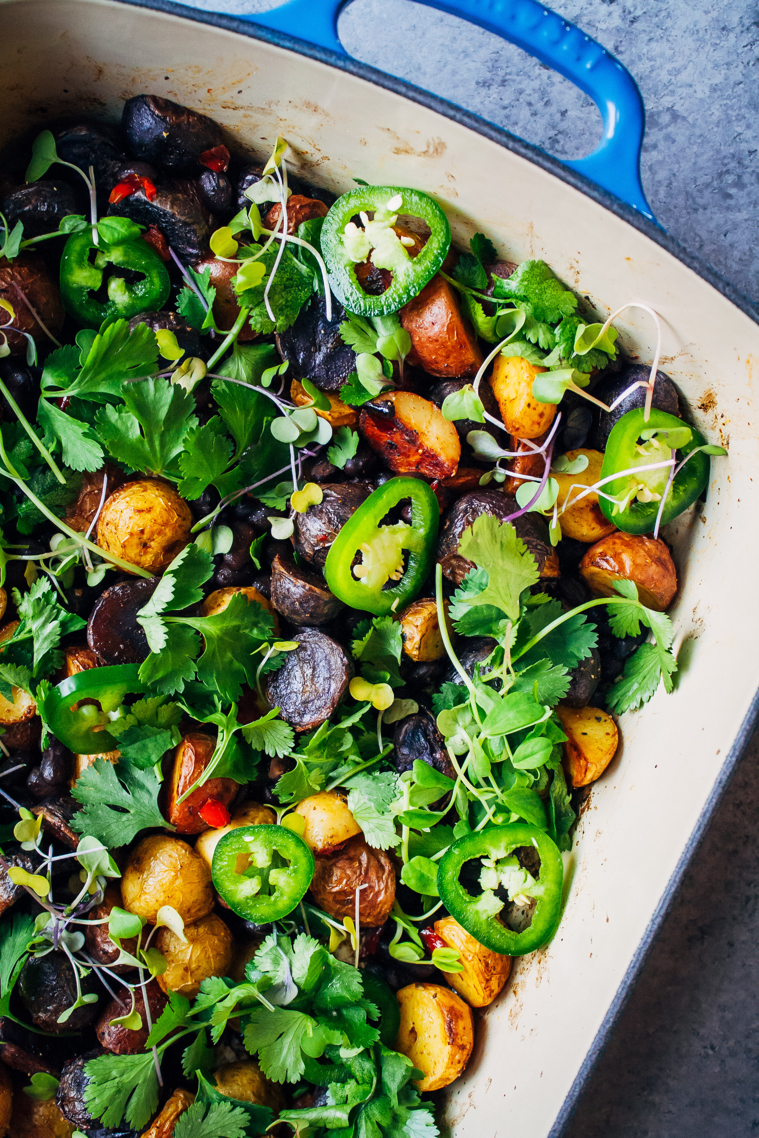 Southwestern Roasted Potato Hash | Well and Full | #vegan #recipe
