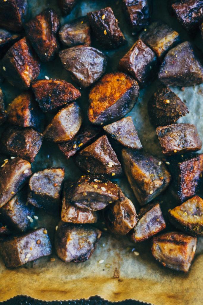 Za'atar Roasted Potato Bowl | Well and Full | #recipe