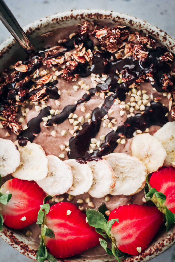 How To Make An Acai Bowl | Well and Full | #vegan #recipe