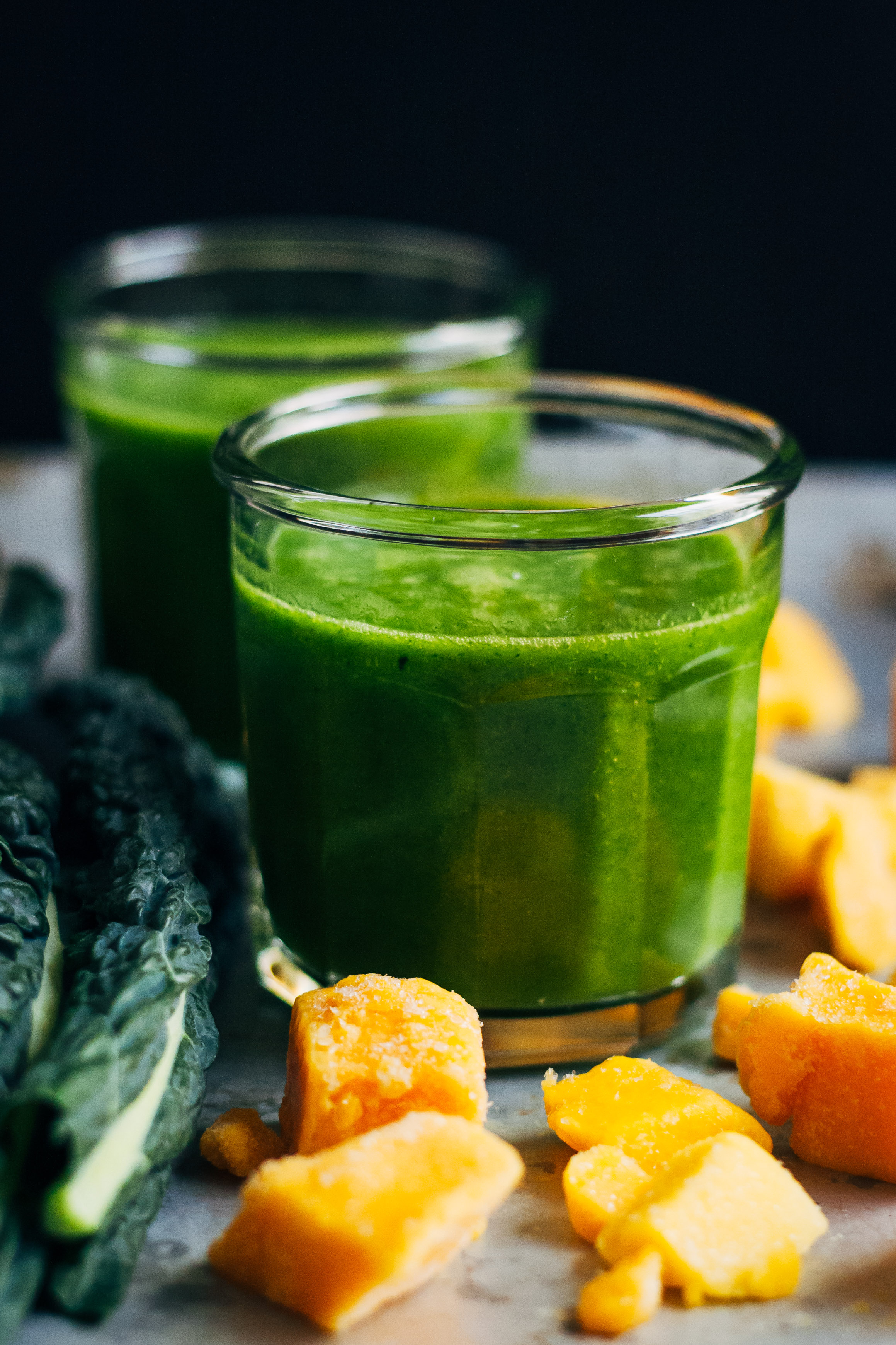 Green Tea + Mango Detox Smoothie | Well and Full | #vegan #detox #smoothie