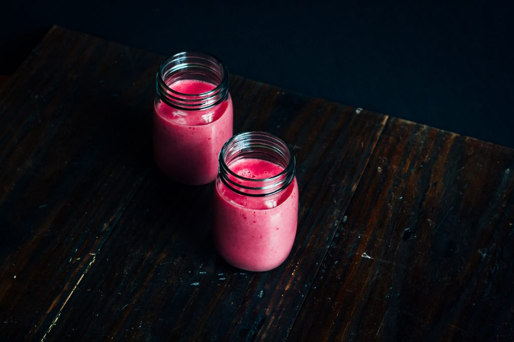Raspberry Creamsicle Probiotic Smoothie | Well and Full |#vegan #probiotic #smoothie