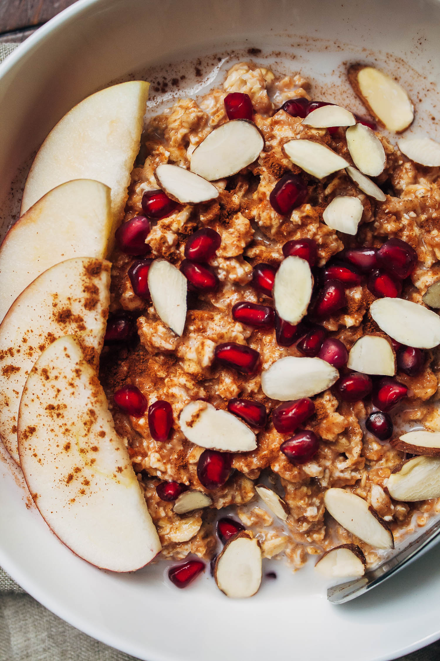 Pumpkin Apple Overnight Oats | Well and Full | #vegan #recipe
