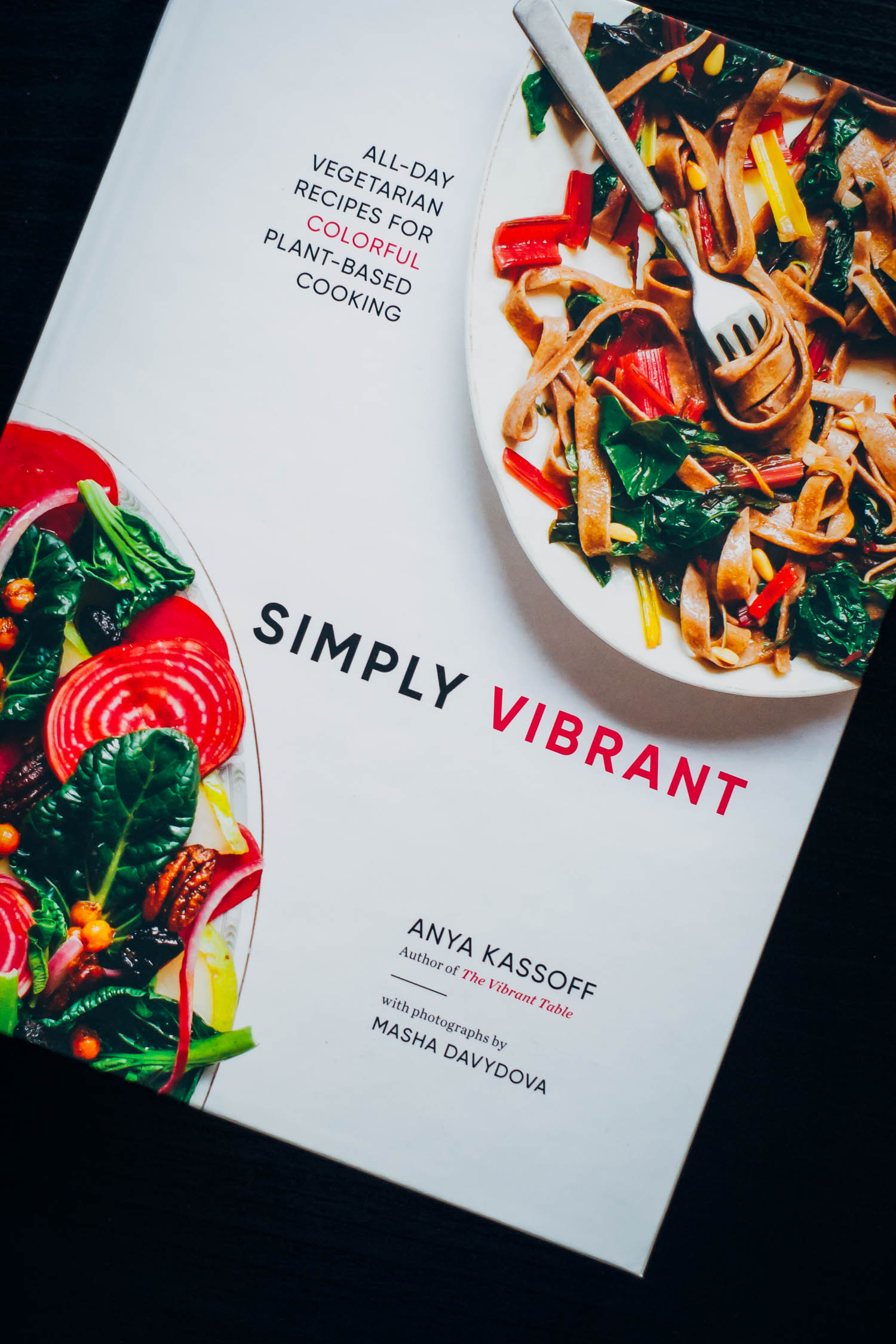 Vegan Tomato Pasta from Simply Vibrant | Well and Full | #healthy #vegan #recipe