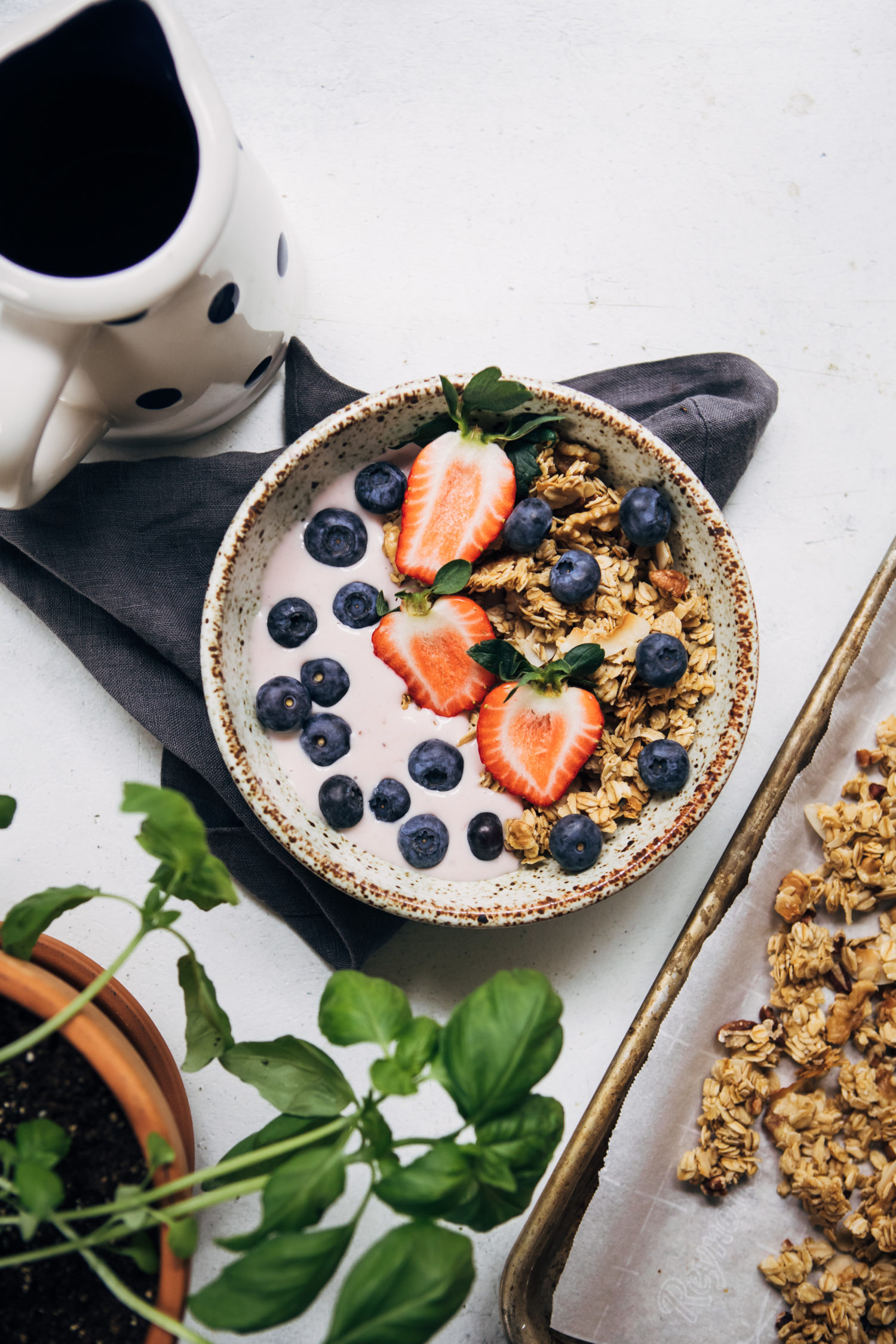 Vegan Vanilla Granola | Well and Full | #healthy #vegan #recipe