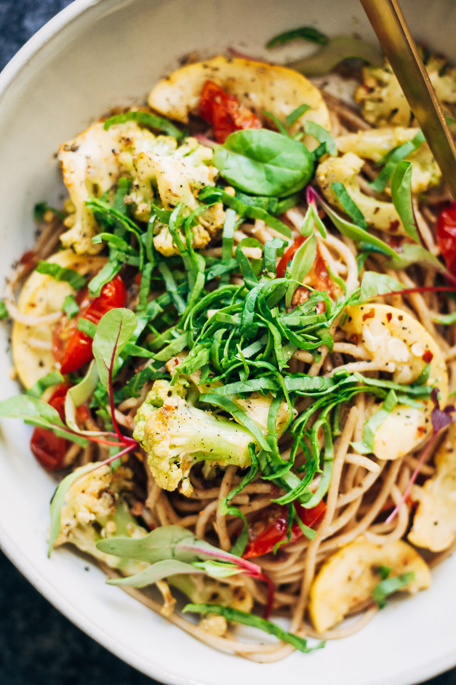 Vegan Pasta Primavera | Well and Full | #healthy #vegan #recipe