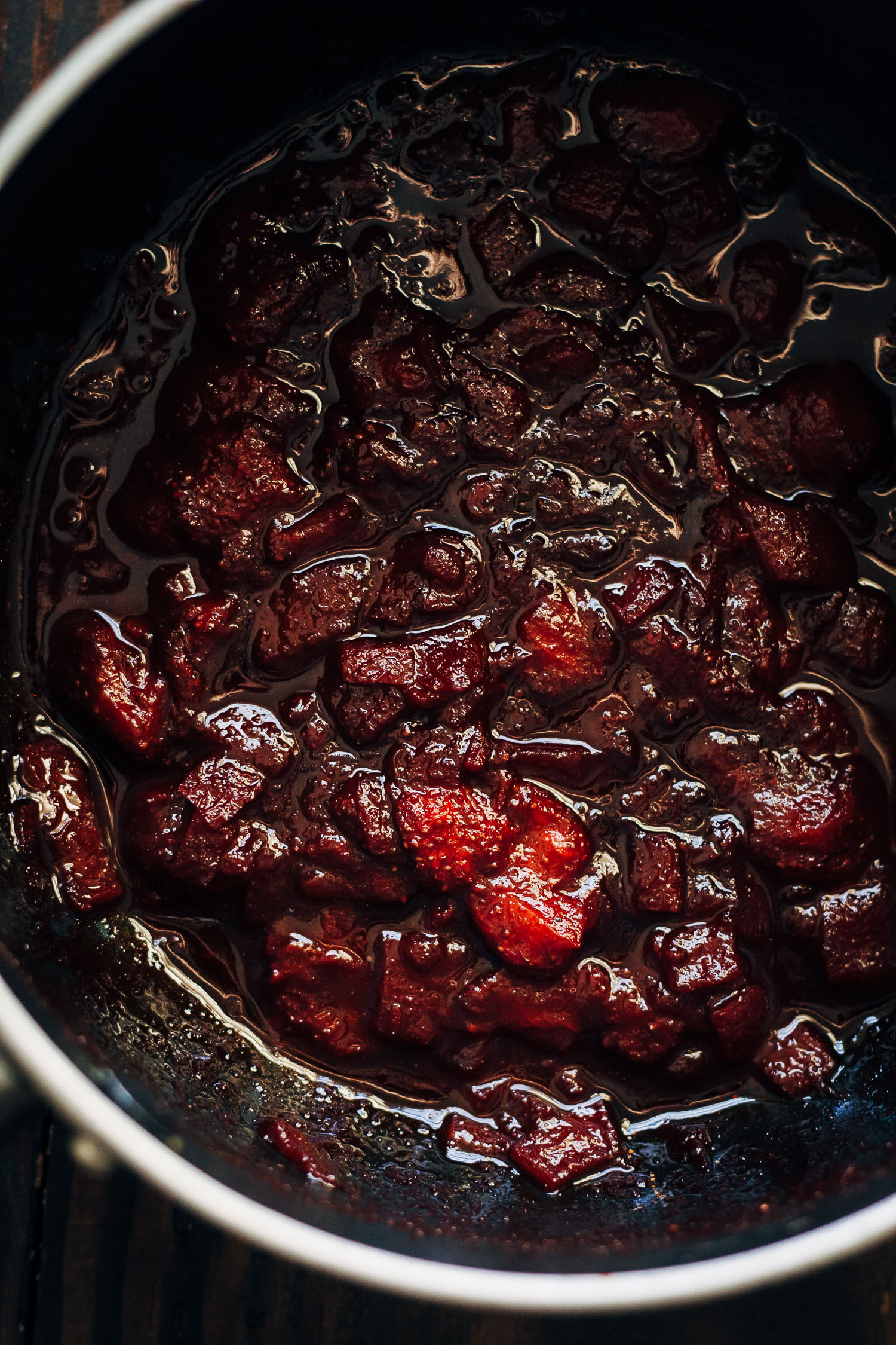 Spicy Strawberry Barbecue Sauce | Well and Full | #vegan #summer #recipe