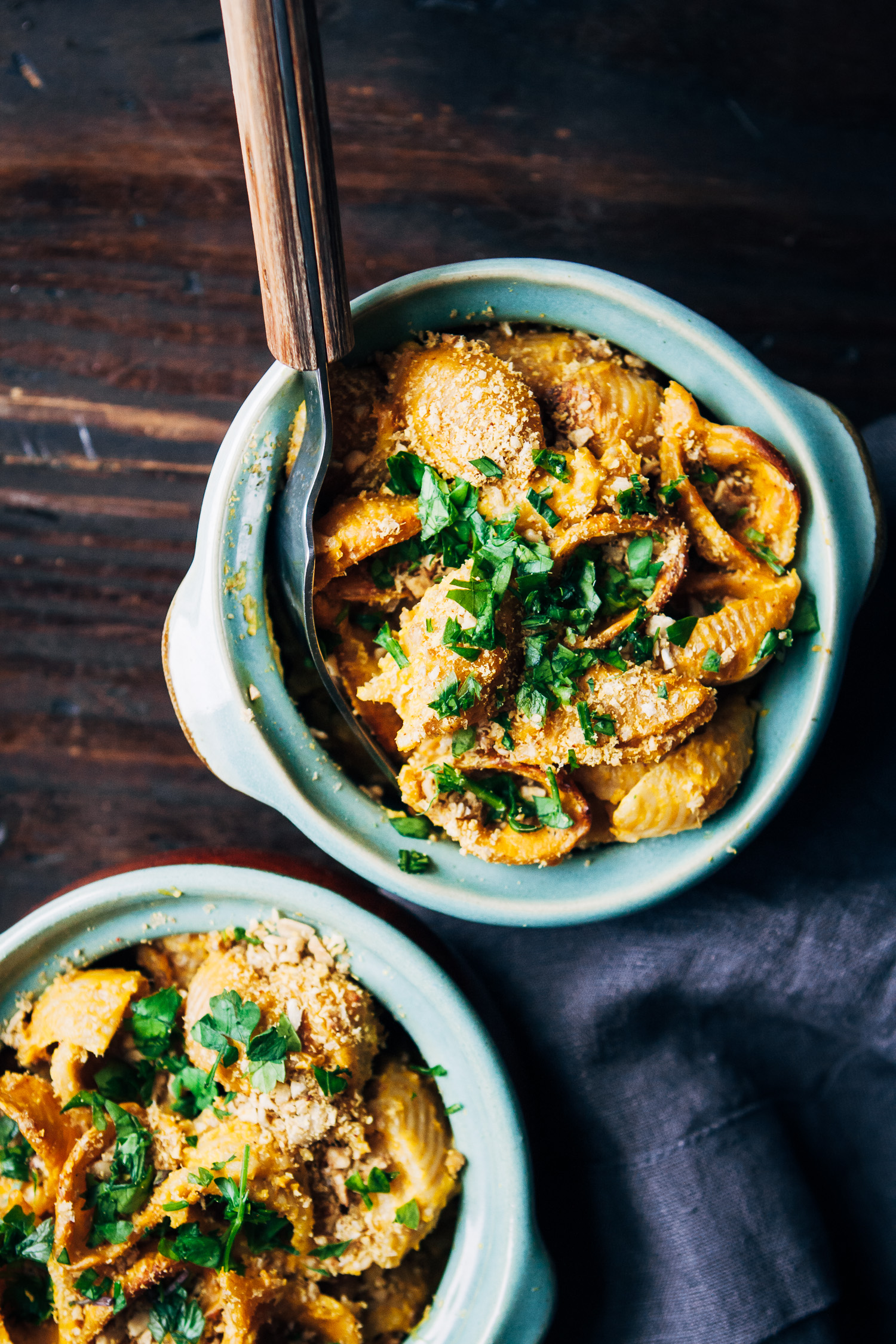 Vegan Pumpkin Mac and Cheese | Well and Full | #healthy #vegan #fall #recipe