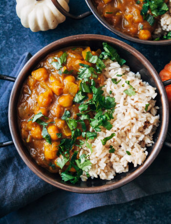 Vegan Pumpkin Curry | Well and Full | #healthy #fall #recipe