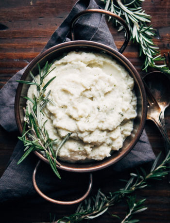 Vegan Mashed Cauliflower | Well and Full | #healthy #vegan #thanksgiving #recipe