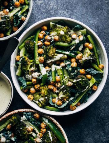 Vegan Kale Detox Salad | Well and Full | #vegan #detox #cleanse