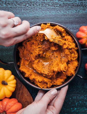 Spicy Mashed Sweet Potatoes | Well and Full | #vegan #recipe #fall #autumn