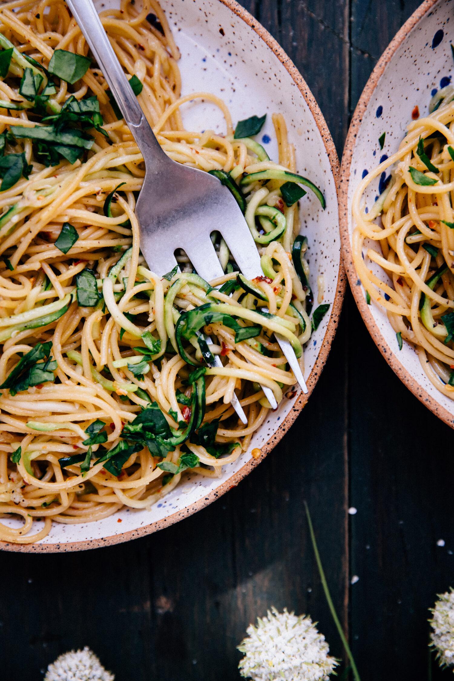 Zucchini Aglio e Olio | Well and Full | #vegan #recipe #healthy